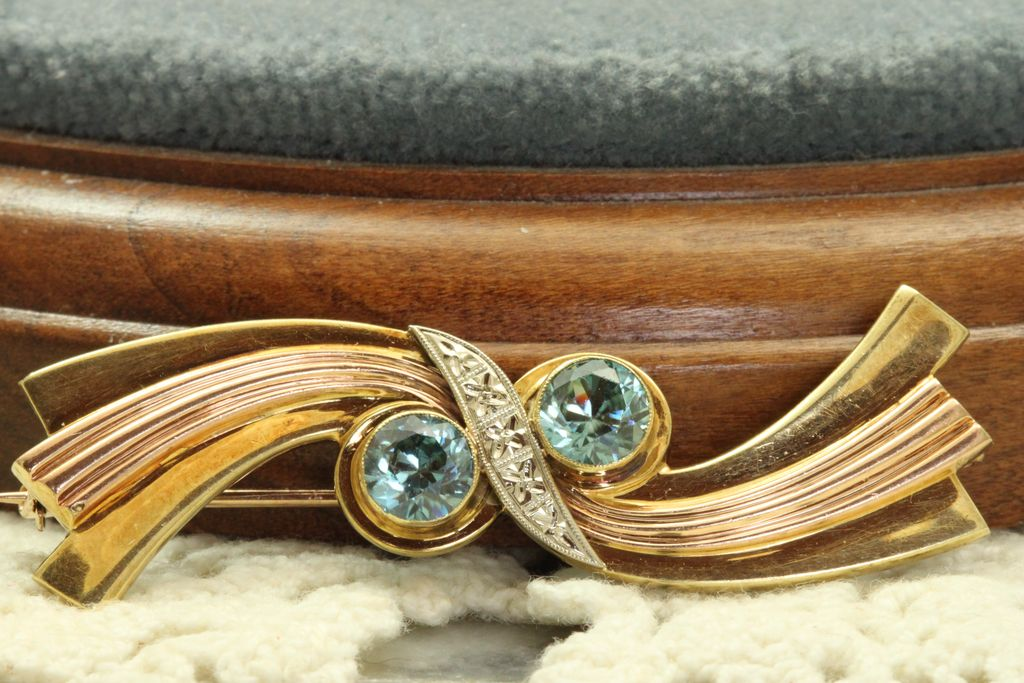 Estate 14K Tri Color Gold Retro Blue Zircon Brooch