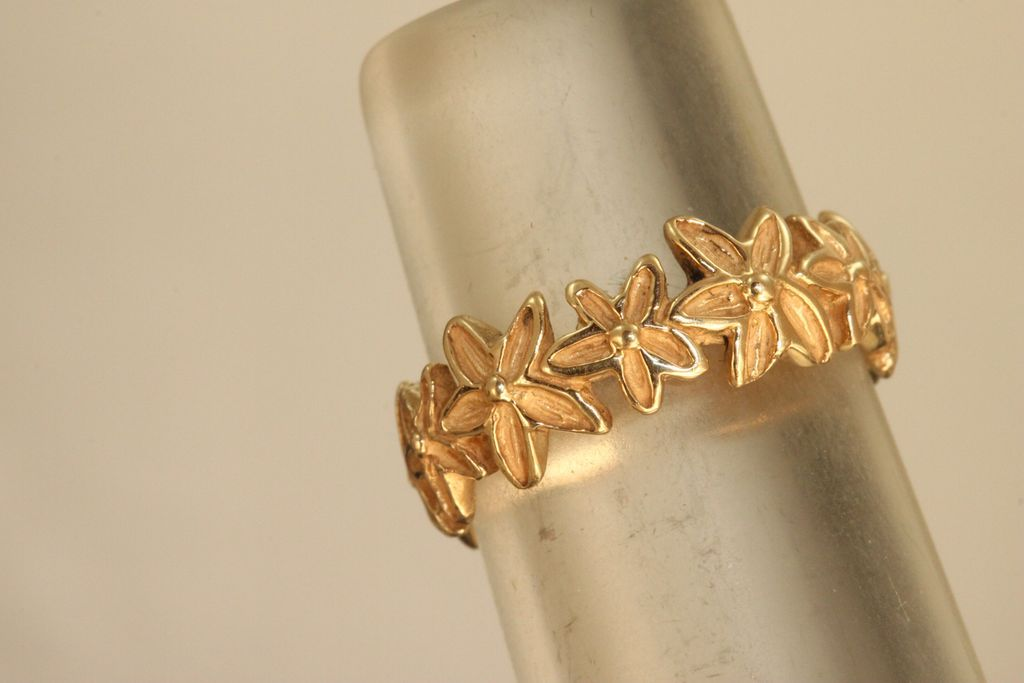 Estate 14 K Handmade Daisy Band