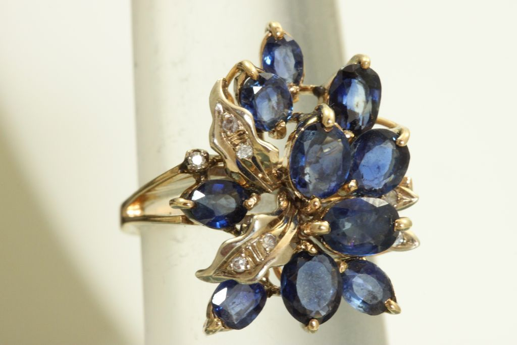 Estate 18 K Montana Sapphire Diamond Dinner Ring