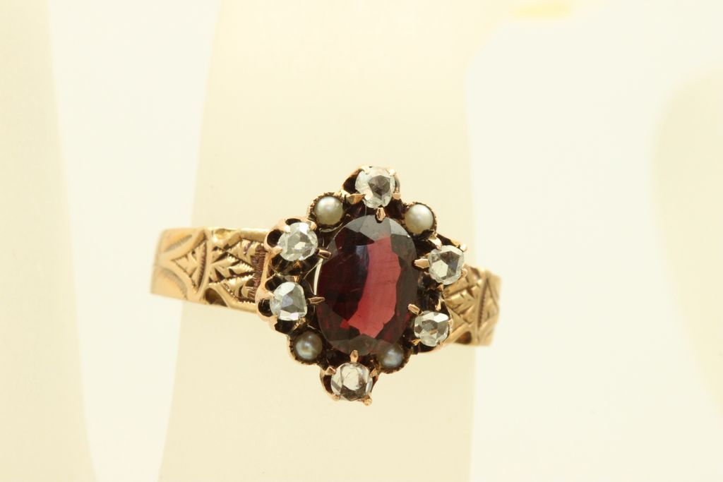 Vintage 14 K Garnet Rose Cut Diamonds Seed Pearl Ring