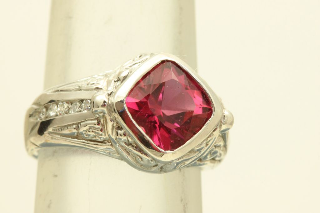 Estate 14 KW 3 CT Raspberry Tourmaline Diamond Ring
