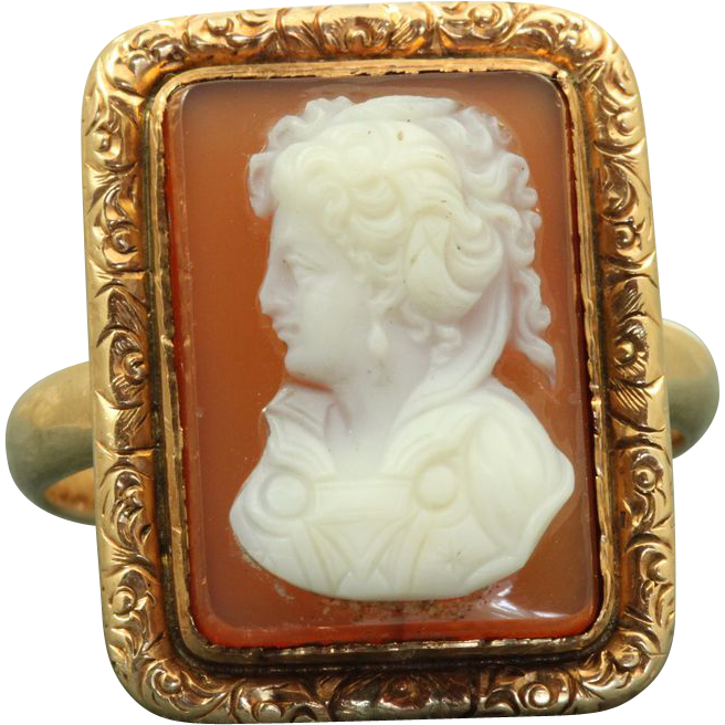 Massive 14 K Cameo Ring