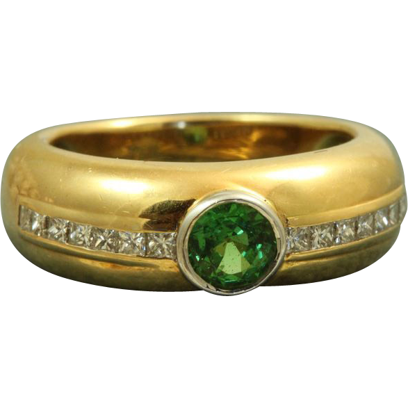 Estate 18 K Tsavorite Garnet Diamond Band