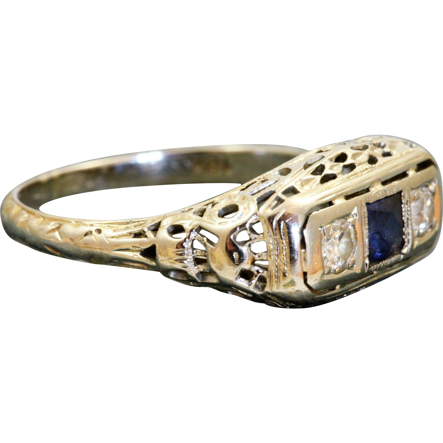 Estate 18 KW Sapphire and Diamond Filigree Ring