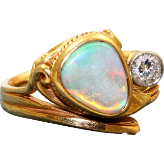 18 K @2.5 CT Blue Opal Ring with 0.25 CT Diamond in Etruscan Style
