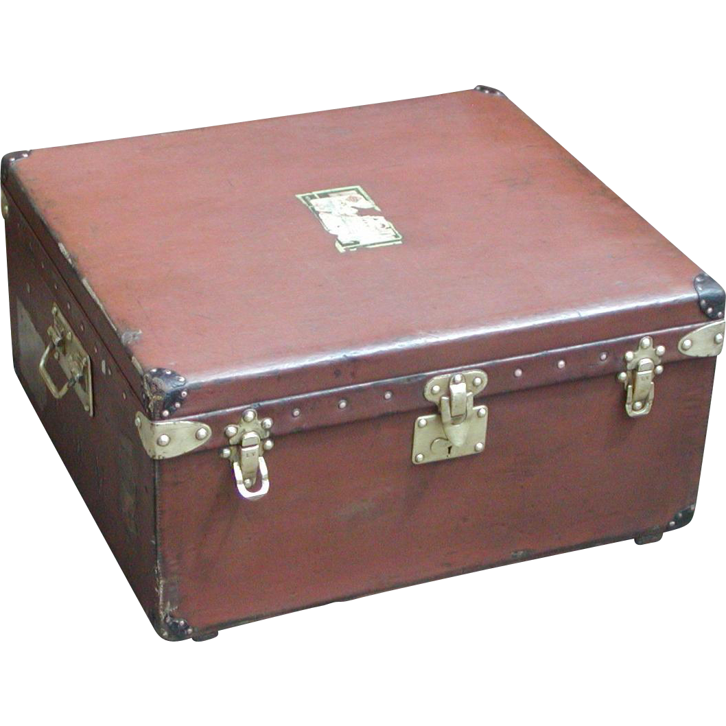 Louis Vuitton trunk....Vintage Louis Vuitton trunk...