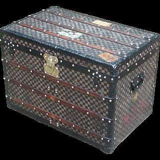 Louis Vuitton trunk...Vintage Louis Vuitton Damier trunk...