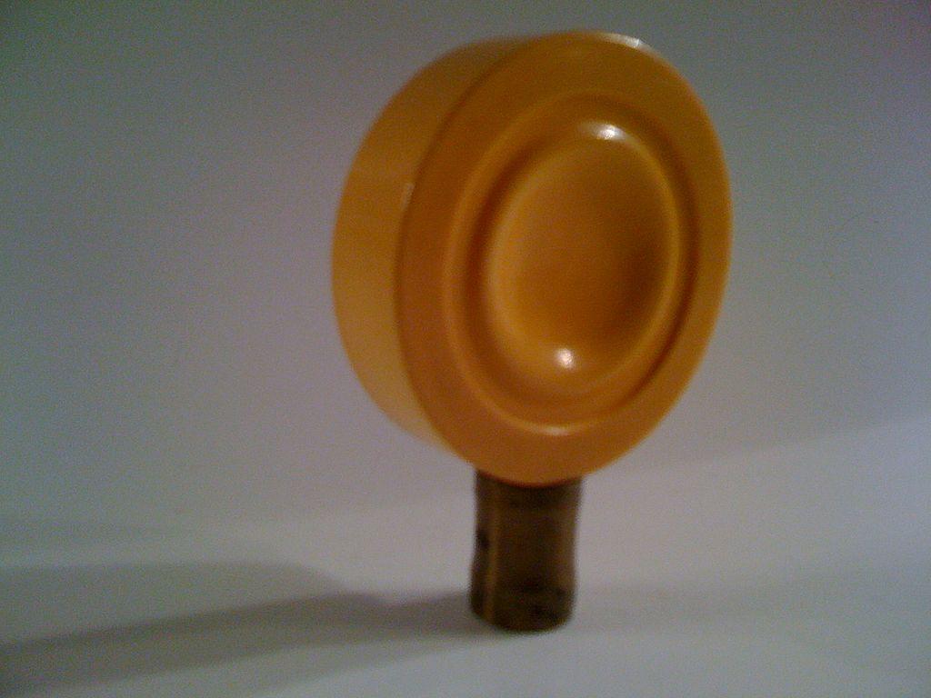 Butterscotch Bakelite Lamp Finial