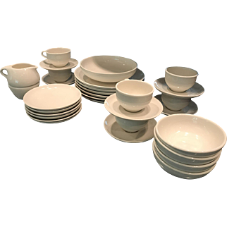 Russel Wright Iroquois Casual China in White 31 pc
