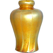 Small American Tiffany Studios Art Nouveau Gold Art Glass Lamp Shade