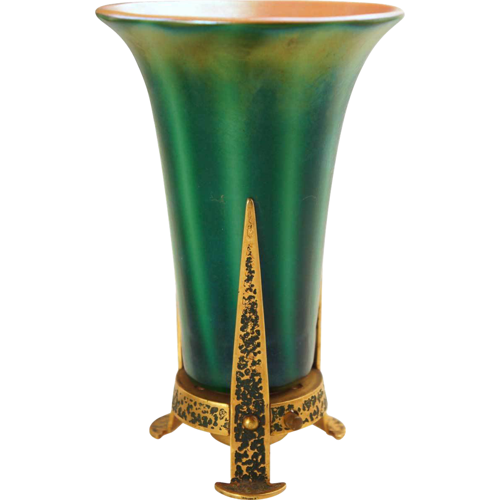 Durand Art Glass Company: American Durand Green Art Glass Table Lamp From