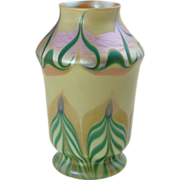 American Signed Tiffany Art Glass Green and Gold Pulled Feather Vase 6.25 in.