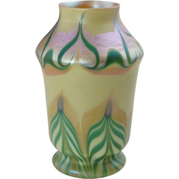 American Art Nouveau Glass Green and Gold Pulled Feather Vase
