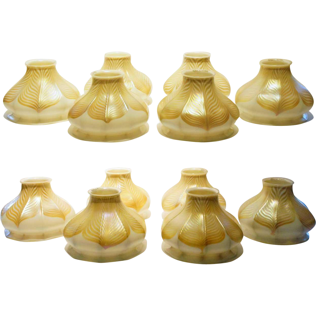 Set of 12 American Quezal Art Nouveau Glass Pulled Feather Lamp Shades