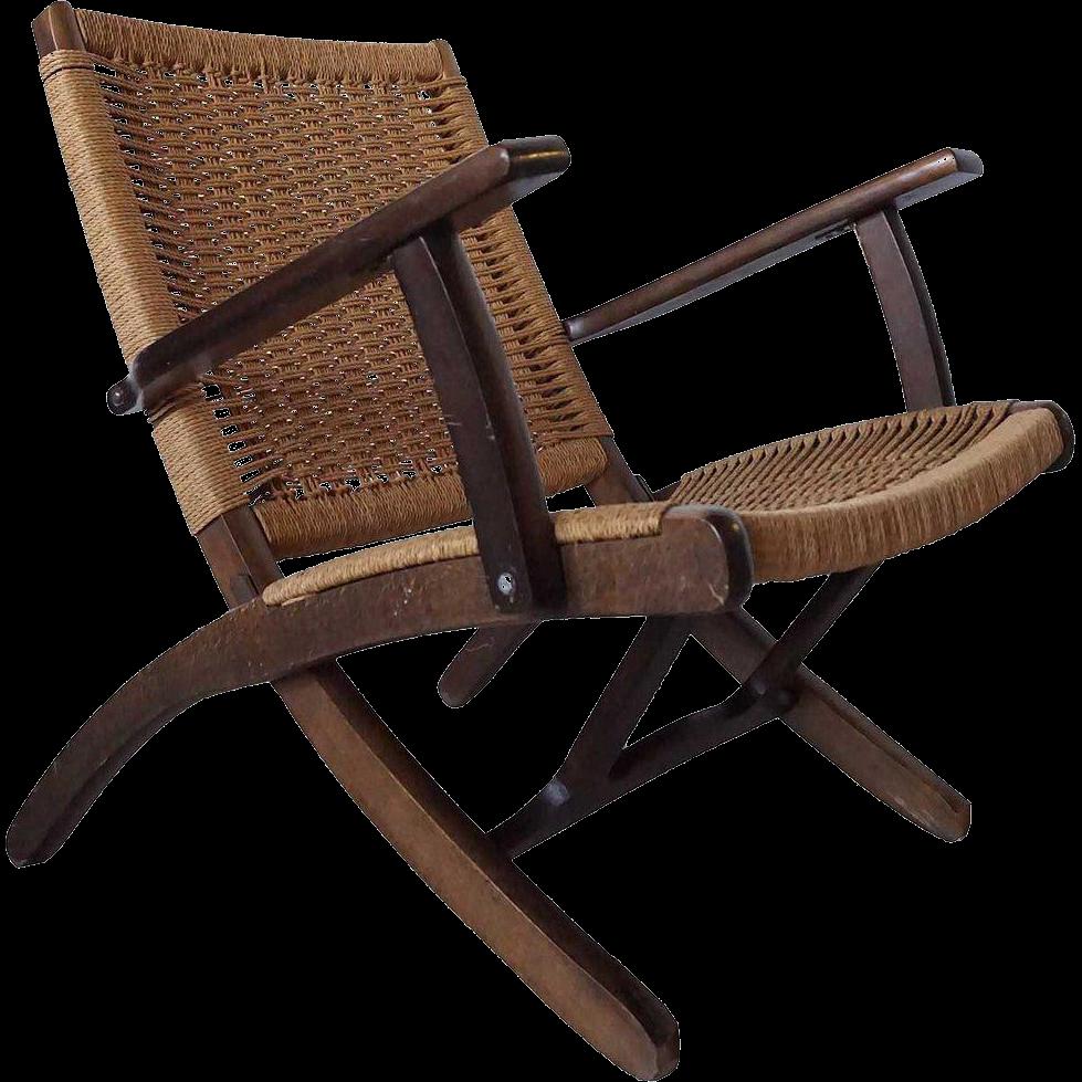 Vintage hans wegner style beechwood and rush seat folding for Hans wegner queen chair