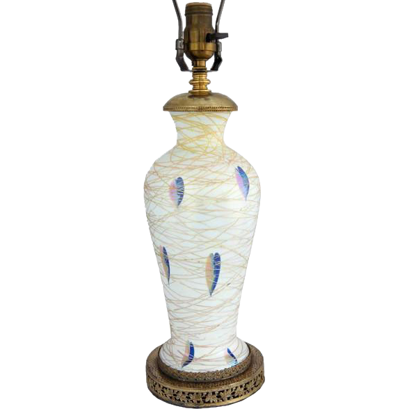 American Durand Art Glass Gold Threaded Heart and Vine Table Lamp