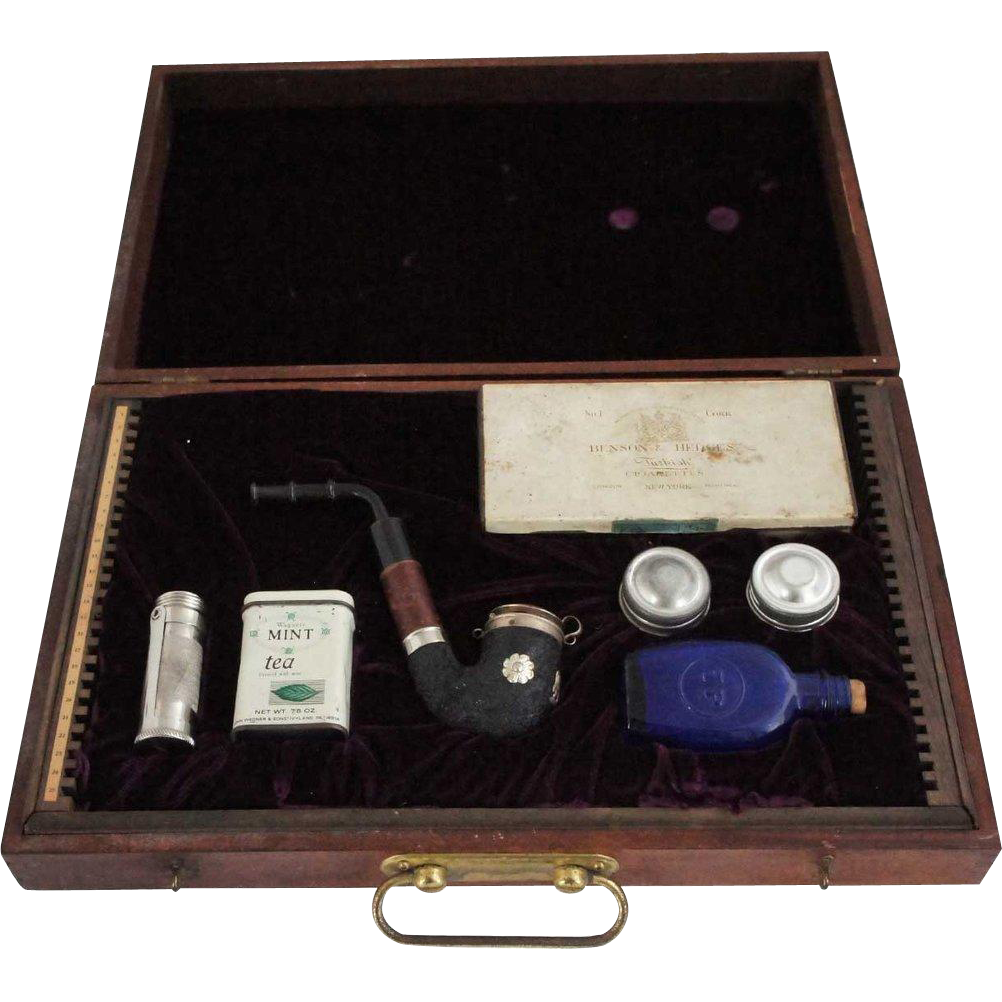 English Cased Pipe and Smoking Traveler's Compendium Set