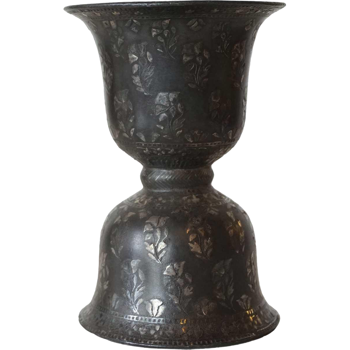 Indian Mughal Silver Inlaid Bidri Bell-Shaped Spittoon (Peekdaan/Thookadaan)