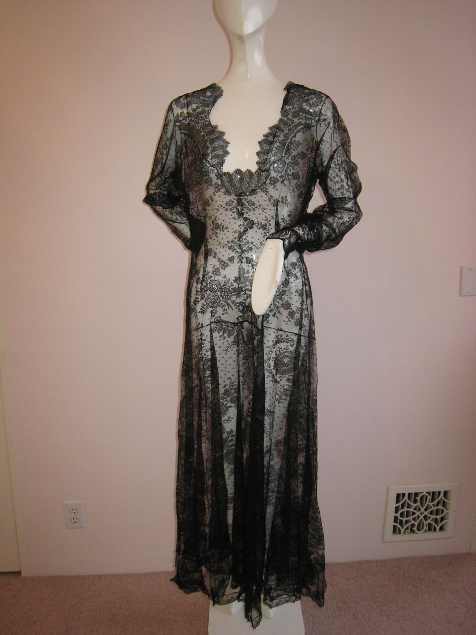 Unbelievable!! Vintage 1930s Gown Chantilly Lace From Head to Toe ...
