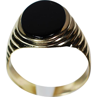 Man's 14K Yellow Gold Onyx Ring