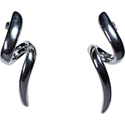 Pair of 18K White Gold Earrings in Twist Motif