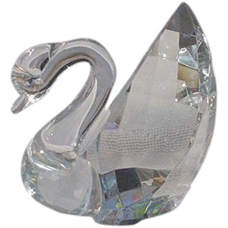 Faced Clear  Crystal Swan Paperweight