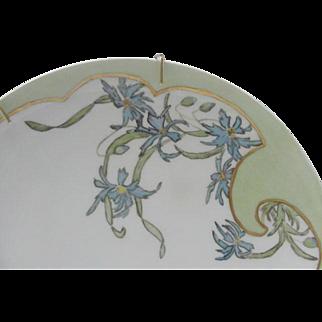 Haviland France Plate, Stylized Floral Nouveau Design of Ragged Robins