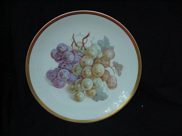 Porcelain Fruit Plate w Grape Clusters, Gold Rim, E&R Golden Crown