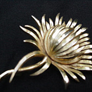 Goldtone Trifari Flower Pin, Petals Alternately Brushed and Smooth Surface