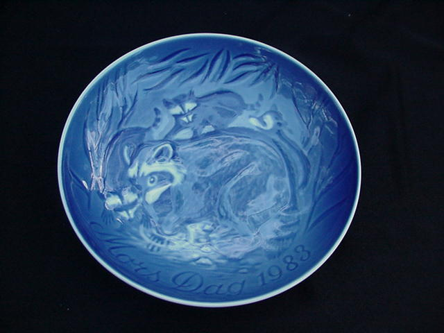 Bing & Grondahl Mother's Day Plate, 1983, Blue w Raccoons