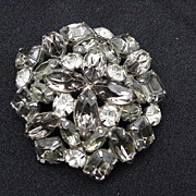 50s Gray & Clear Rhinestone Round Pin w Prong-Mounted Stones