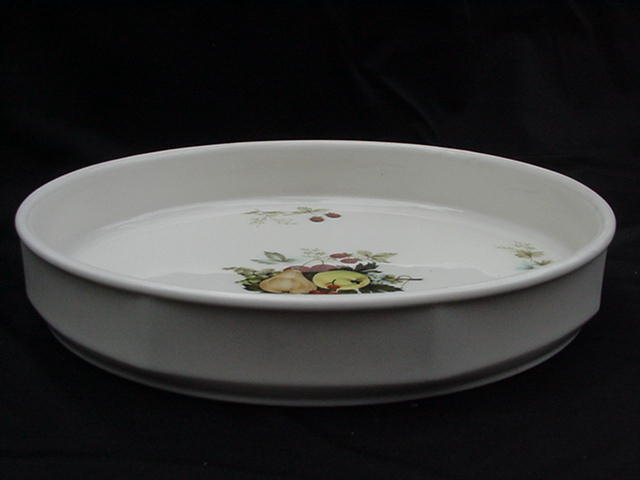 Royal Kent Porcelain Quiche Dish, Fruit Decorated Center