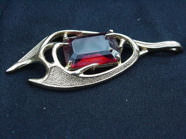Sarah Coventry Pendant w Emerald Cut Topaz-Colored Stone