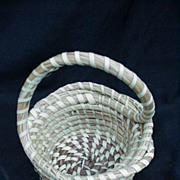 Low Country South Carolina Sweet Grass Basket