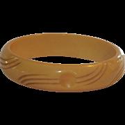 Carved Bakelite Bangle Bracelet in Butterscotch