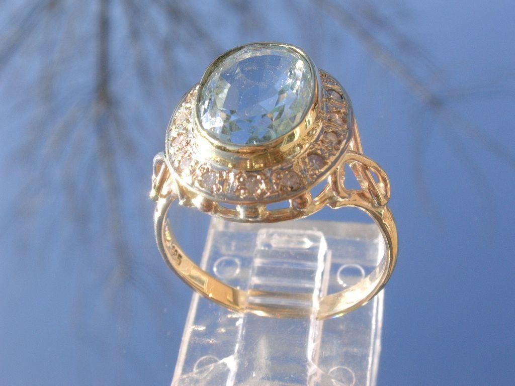 14kt Light Blue Aquamarine/Multi Diamond Ladies Ring