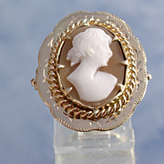 14kt Vintage Shell Cameo Side Profile Portrait of Lady Ring