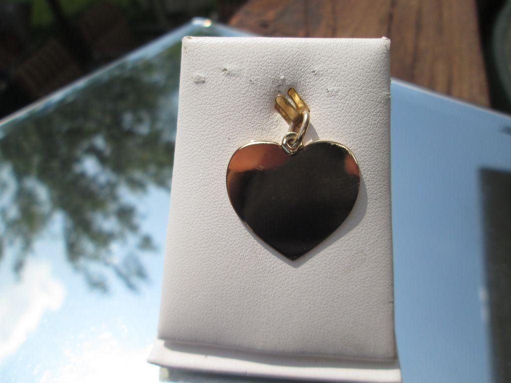 14kt Vintage Large Engraveable Heart Pendant
