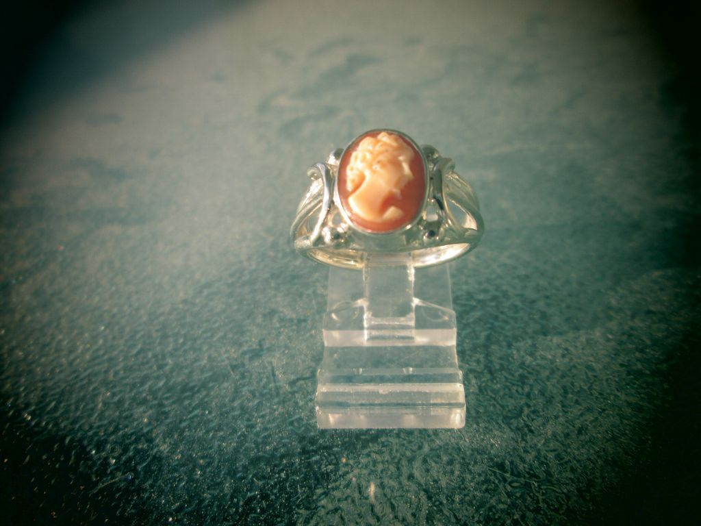 Sterling Silver Cameo Ladies Ring