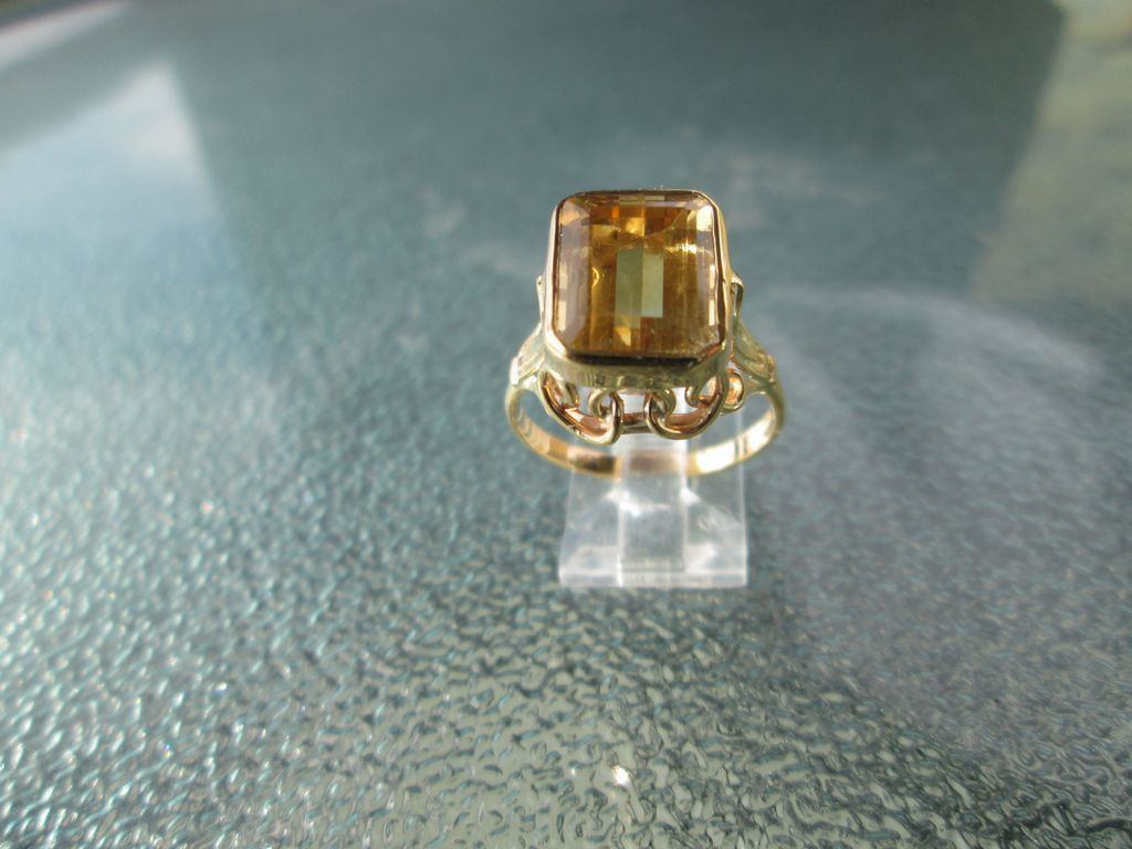 9kt Yellow Gold Golden Citrine Rectangle Cut Ladies Ring