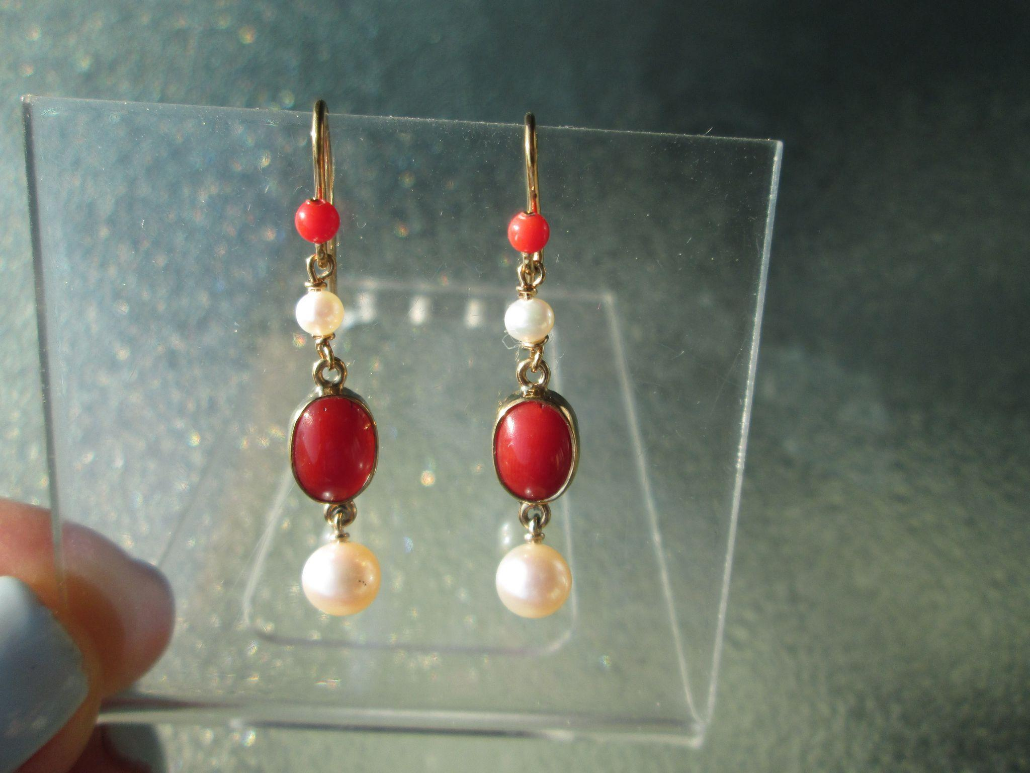 9kt Yellow Gold Vibrant Red Corals and Freshwater Pearl Earring