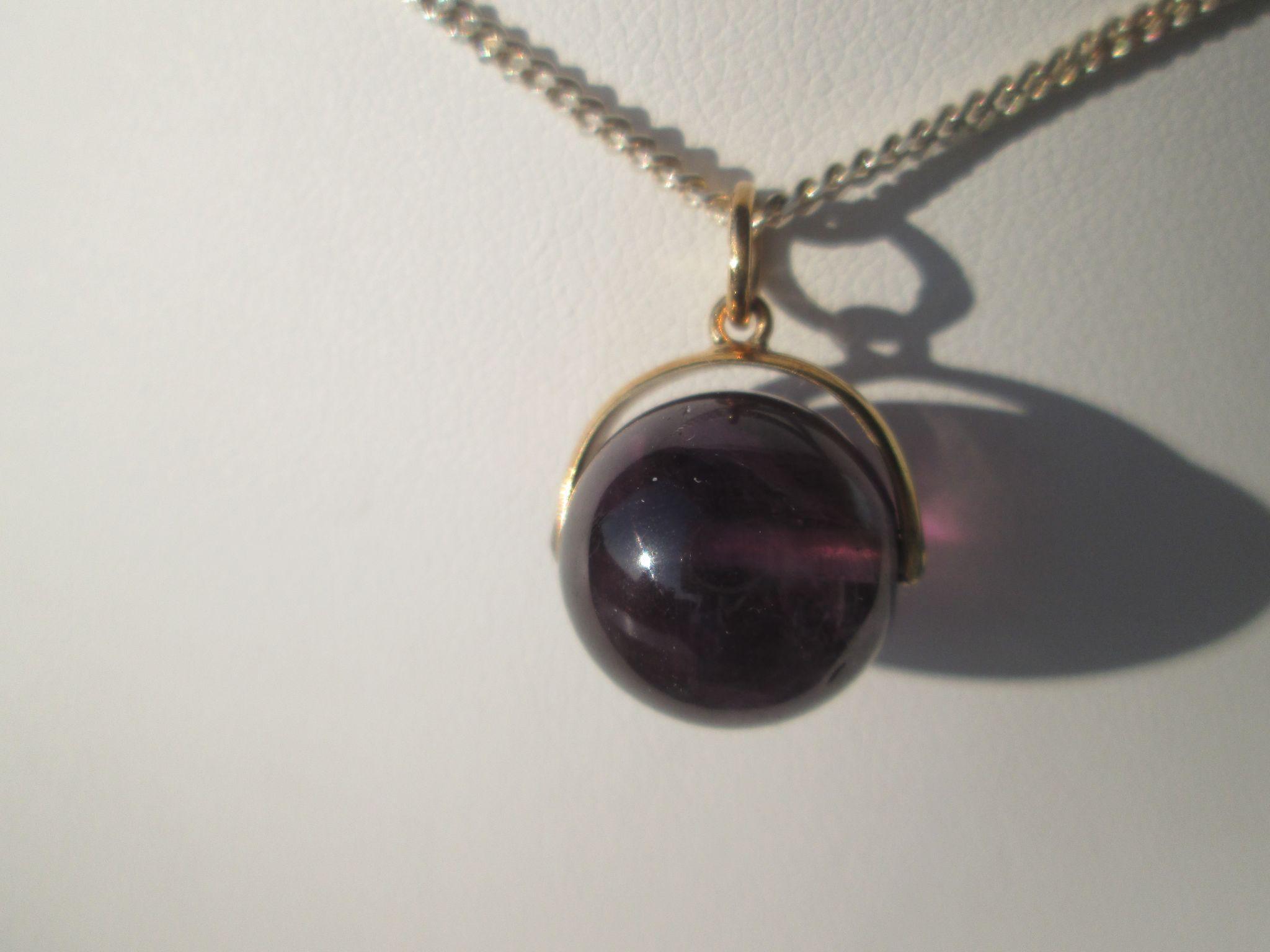 9kt Yellow Gold Wisteria Purple Round Amethyst Bead Pendant