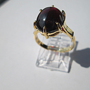14kt Yellow Gold Pink/Red Cabochon Garnet Ladies Ring