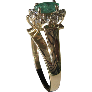 14kt Yellow Gold Vintage Ladies Emerald and Diamond Ring
