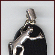Amusing Sterling Silver Lizard & Obsidian Cabochon Pendant