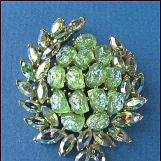 MINT Trifari Etoile Collection Green Iridescent Lava Rock Pin Circa 1960