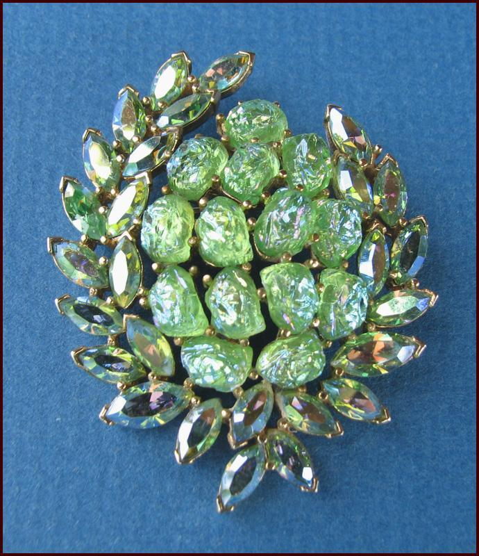 MINT Trifari Etoile Collection Green Iridescent Lava Rock Pin Circa 1960