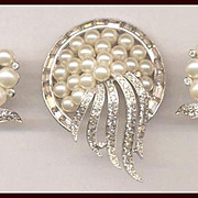 JOMAZ Real Look Rhinestone and Faux Pearl Pin and Earrings Set
