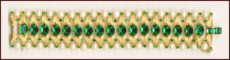 Elegant Trifari Emerald Green & Faux Pearl Bracelet