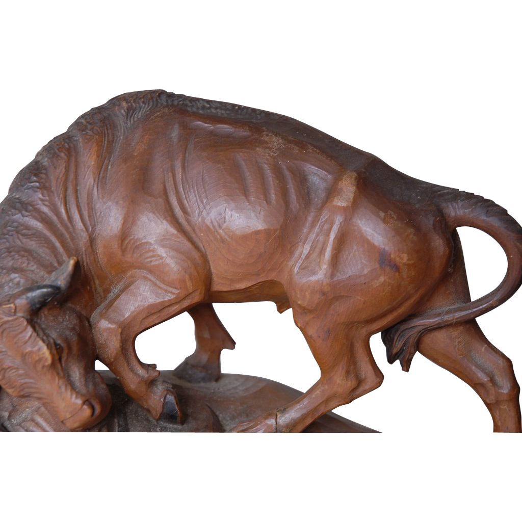Superb This Large Vintage Fine Hand Carved Wood Bull Sculpture